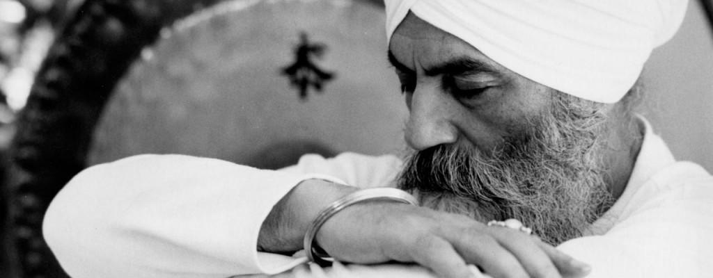 Kundalini Yoga Middenweg - Yogi Bhajan